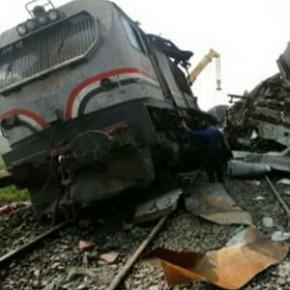В египетской аварии с участием автобуса и поезда погибли 47 детей