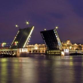 Мосты в Петербурге продолжают разводить