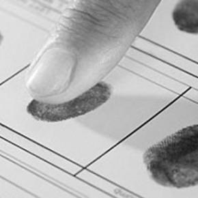 Петербургские мигранты будут сдавать отпечатки пальцев