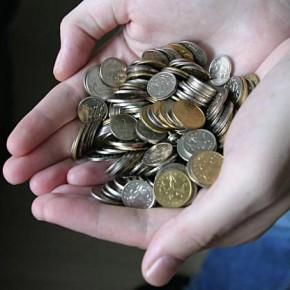 Минимальная заработная плата в Санкт-Петербурге на 2013 год составит 8326 рублей