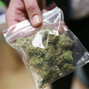 Петербургские пенсионеры пристрастились к торговле наркотиками