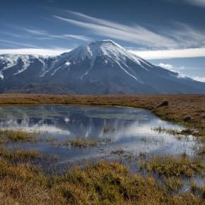 Извержение вулкана на Камчатке: лава растеклась на 13 километров (видео)