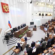 Несмотря на мнение экспертов, Госдума приняла запрет на усыновление детей из РФ американцами
