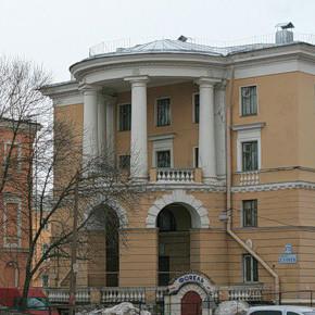 На Стачек 172 горит общежитие