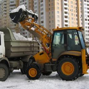 Стоимость ежедневной уборки снега в Петербурге оценивается в 25-30 миллионов рублей