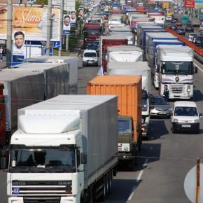 Запрет на въезд грузовиков в Петербург введут 1 июня 2013