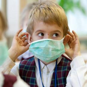 Онищенко: пора носить маски против гриппа