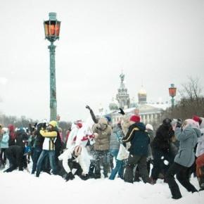 Игру в снежки на Марсовом поле теперь приравнивают к несанкционированному митингу