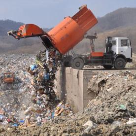 Несанкционированную свалку строительного мусора обнаружили в Шушарах