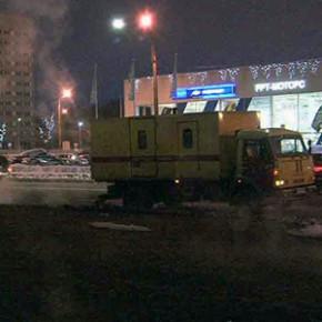 Прорывы труб на Маршала Жукова и Захарова устранят в течение суток