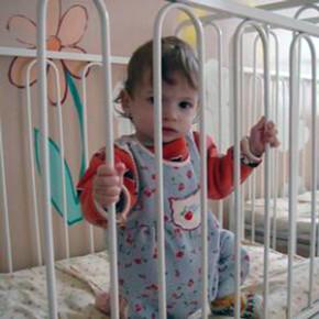 Кремль одобрил 100-тысячное единовременное пособие при усыновлении детей