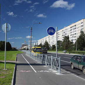 Велопарковки и велодорожки в Санкт-Петербурге все-таки появятся, но ближе к 2015 году