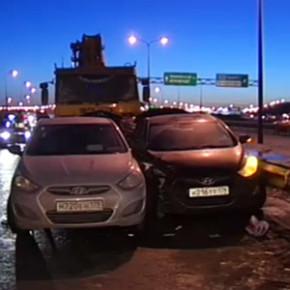 ДТП на КАД: из-за гололеда столкнулись 16 автомобилей