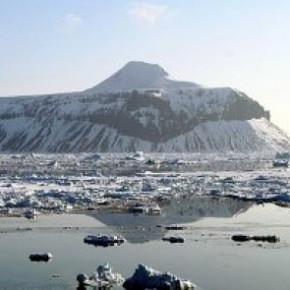 Питерские ученые нашли новые формы жизни в антарктическом озере