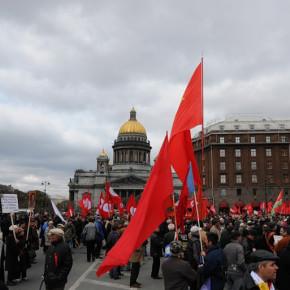 Первомайские демонстрации в Петербурге: шествиям - да, митинги - не для всех