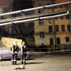 Обрушение аварийного дома на Лиговском: пострадавших нет, здание разберут