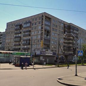 На проспекте Художников девочка выпала из окна и разбилась