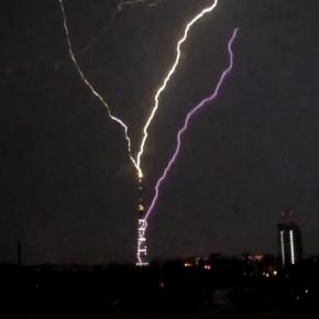 Майская молния попала в петербургскую телебашню