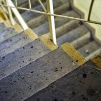 Убийство на Маршала Казакова: бездомный погиб прямо в подъезде