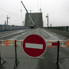 Дворцовый мост откроют только 20 мая, зато сроки капитального ремонта сократят