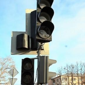 На выходных в Петербурге сгорели два транспортных средства и светофор