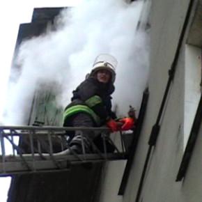 Пожар на Тамбасова: полностью выгорела двухкомнатная квартира
