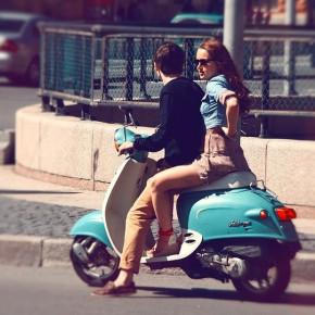 Несмотря на скорое введение прав на скутеры, спрос на них пока не падает