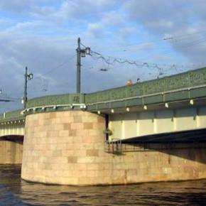 Прыжок с Литейного моста на спор стоил петербуржцу жизни