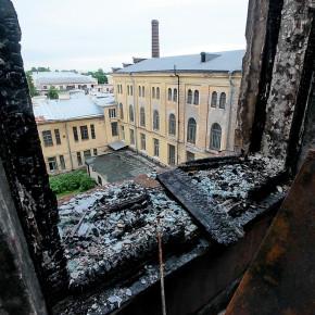 Технологический институт после пожара приводят в порядок студенты
