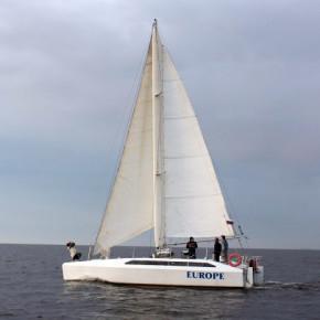 На Неве у Петровской косы столкнулись два судна