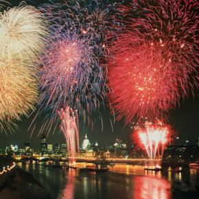 Какой сегодня праздник отмечают в России и мире?