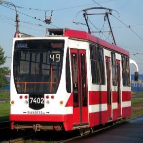 В Купчино женщина-пешеход попала под трамвай