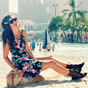 Эксперты по моде рассказали о выборе стильных женских очков к лету