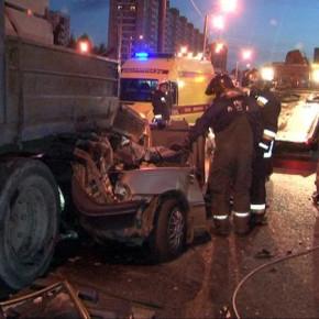 На проспекте Просвещения произошло ДТП с пятью погибшими