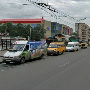 В драке на Ленинском проспекте сошлись водители маршруток - кавказцы и азиаты