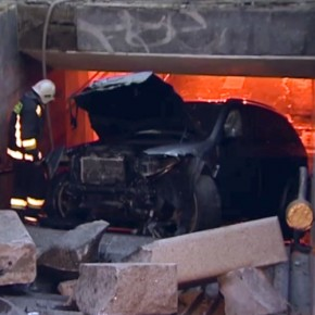 В ДТП на Савушкина внедорожник провалился в подземный переход