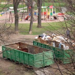Убийство на Индустриальном: жертву нашли в мусорном контейнере