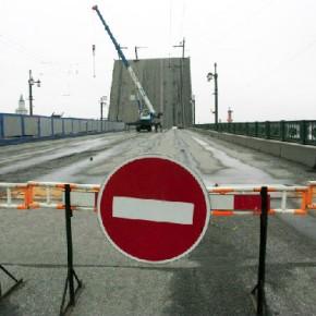 Дворцовый мост будет полностью открыт после ремонта 19 октября