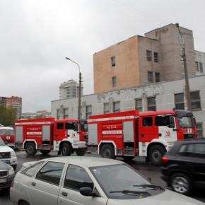 Из-за пожара в Таможенной Академии на Софийской эвакуировали 800 человек