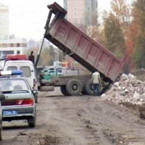 Работу несанкционированной свалки в Шушарах пресекли полицейские