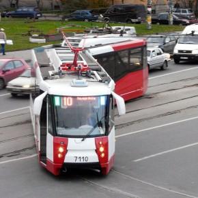 На Новочеркасском проспекте трамвай №10 сбил 15-летнюю школьницу