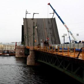 Окончание ремонта Дворцового моста отпразднуют в субботу