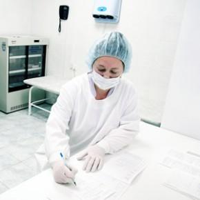 Средняя зарплата петербургских врачей к концу 2014 года достигнет 53 тысяч рублей