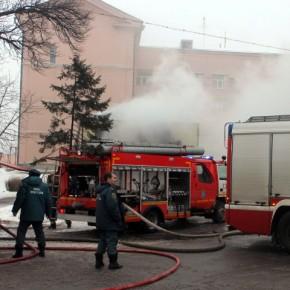 В Петербурге потушили пожар на территории завода