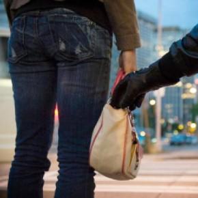 7 ограбленных в Красносельском районе женщин опознали разбойника-маньяка
