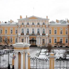 Ремонт Суворовского училища начнут в 2015 году, воспитанников ждет переезд
