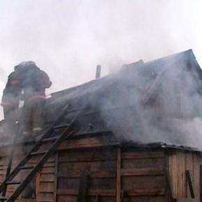 На месте пожара в Солнечном спасатели нашли двоих погибших