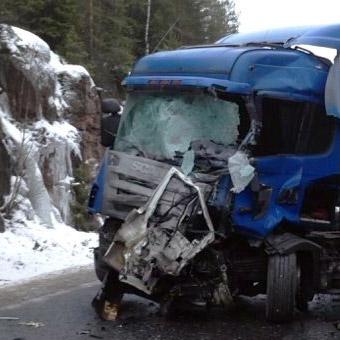 В ДТП на «Скандинавии» у МАПП «Брусничное» погибли 10 человек