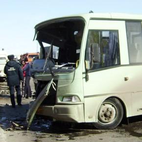 В ДТП с маршруткой и фурой на КАД пострадали 5 человек, один из них в коме