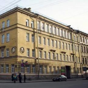 Из задымленной гимназии №171 на улице Маяковского эвакуировали детей